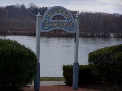 Entrance to Sunken Gardens from the Riverfront. image. Click for full size.