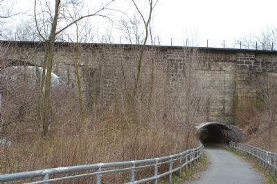 The Carrollton Viaduct, as seen from the marker image. Click for full size.