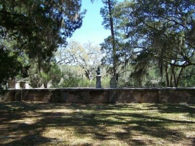 Remaining Heyward Family Cemetery, the only remains here image. Click for full size.