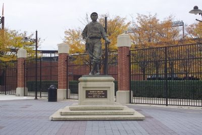 Babe Ruth Statue image. Click for full size.