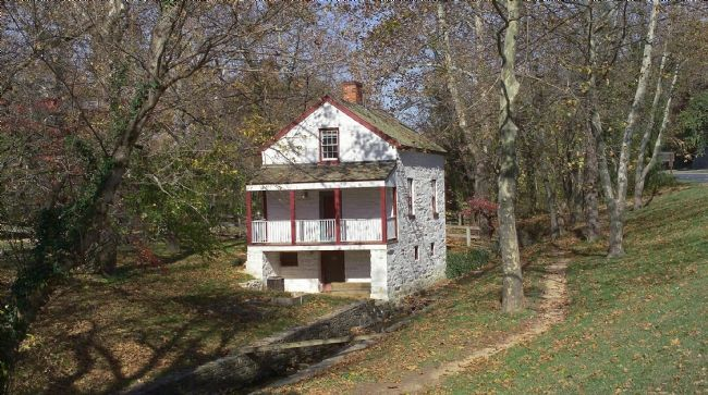 C&O Canal Locktender's House at Lock 6 image. Click for full size.