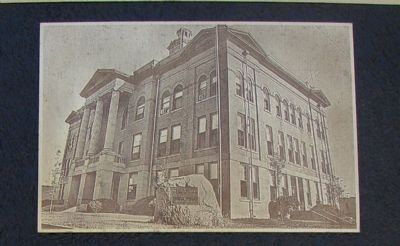 Photo of the old courthouse. image. Click for full size.