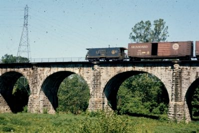 B&O Freight Train Finishes Crossing the Viaduct image. Click for full size.