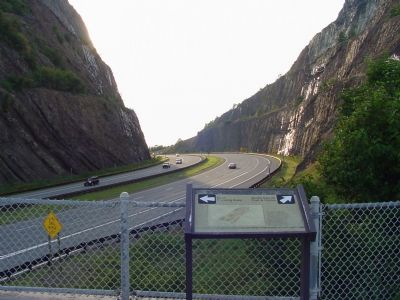 Sideling Hill Cut North Bench Marker image. Click for full size.