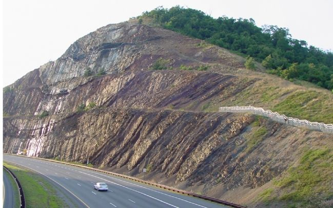 Sideling Hill Cut North Bench image. Click for full size.