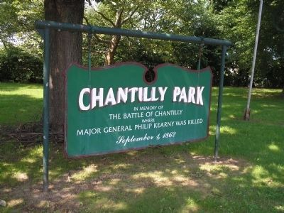 Earlier sign for Chantilly Park image. Click for full size.