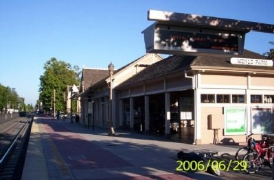 Menlo Park Railroad Station image. Click for full size.