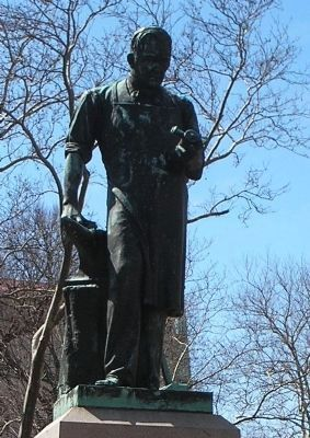 Closeup of Boyden Statue image. Click for full size.