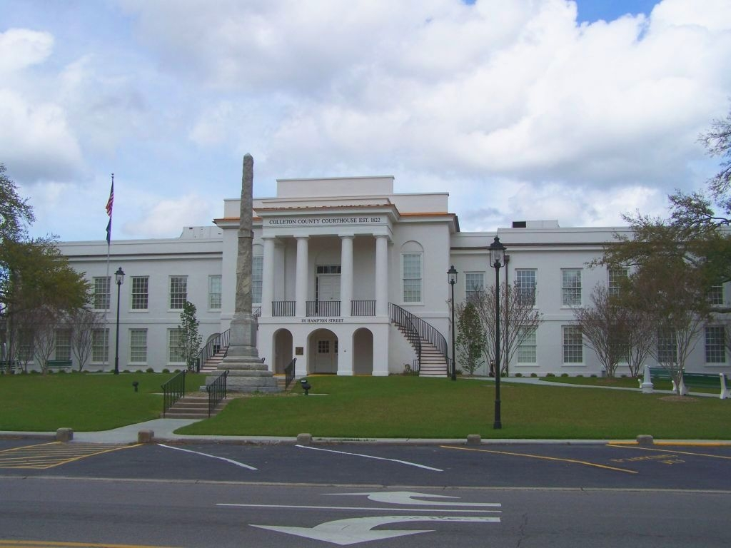 Colleton County Courthouse with Controversial Confederate Monument
