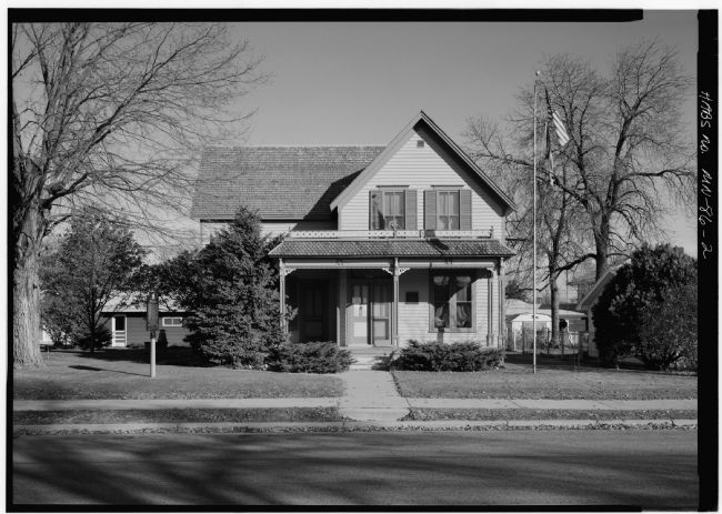 Sinclair Lewis Boyhood Home Marker image. Click for full size.