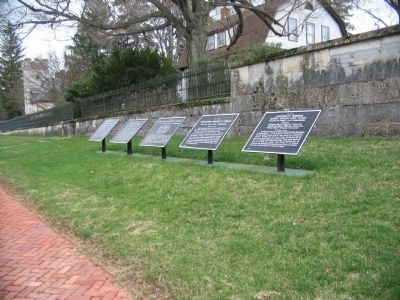 Confederate Tablet Cluster near the Entrance to the Cemetery image. Click for full size.