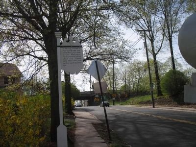Marker on Fort Lee Road image. Click for full size.