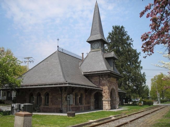 Demarest Railroad Station image. Click for full size.