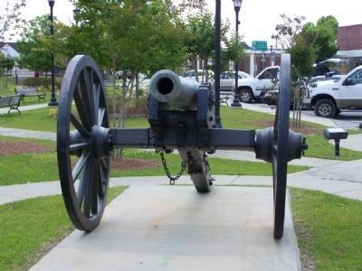 Historic Civil War Cannon image. Click for full size.