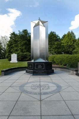 The Maryland World War II Memorial Obilisk image. Click for full size.
