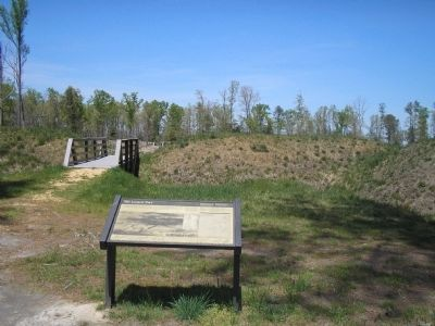 Marker in Petersburg National Battlefield image. Click for full size.