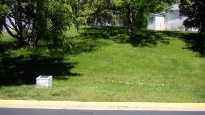 Marker on the Curb and Huntley on the Hill Above image. Click for full size.