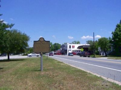 Guyton Confederate General Hospital Marker looking north on GA 17 image. Click for full size.