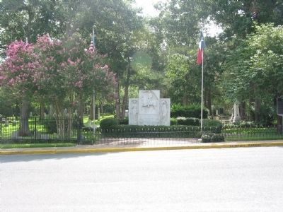 Grave site of Sam Houston, Oakwood Cemetery image. Click for full size.