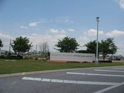 Panama City Airport Entrance image. Click for full size.