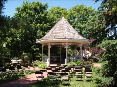 Lincoln Park Band Stand. image. Click for full size.