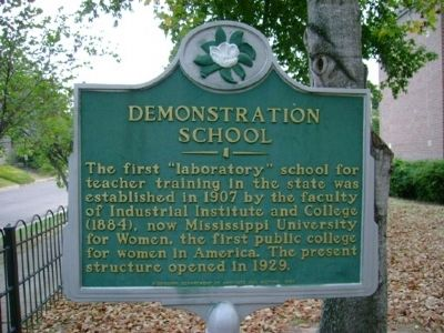 Demonstration School Marker image. Click for full size.