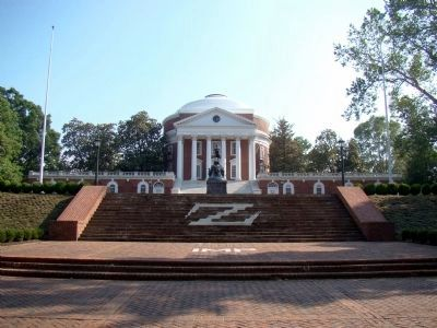 Thomas Jefferson Monument at the Rotunda of the University of Virginia image. Click for full size.