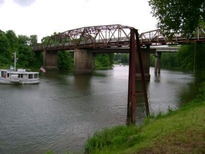 182 Swing Bridge and Old Tombigbee River Channel image. Click for full size.
