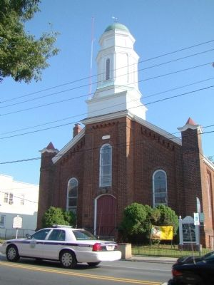 First Baptist Church, West Main Street image. Click for full size.