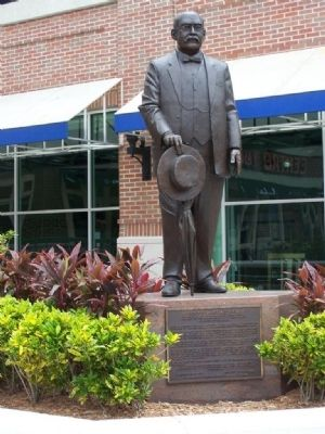 Vicente Martinez-Ybor Marker and Statue image. Click for full size.