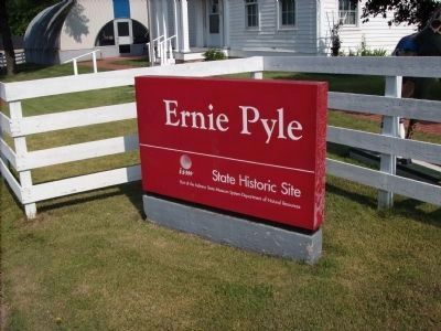 Ernie Pyle - - Home Marker image. Click for full size.
