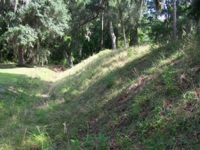 Fort Morris earthworks west side moat area image. Click for full size.