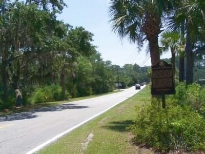 Isle of Hope Marker, looking south along Laroche Ave image. Click for full size.