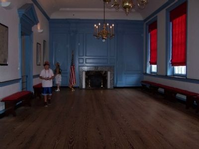The Long Gallery on the second floor of Independence Hall image. Click for full size.