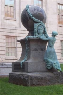 The Daguerre Monument image. Click for full size.