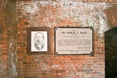 Dr. Samuel A. Mudd Marker and Photograph image. Click for full size.