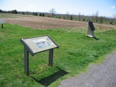 Interpretive Marker next to Custer's Brigade Tablet image. Click for full size.