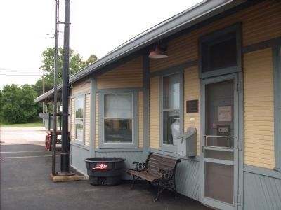 Side Door to Linden Depot image. Click for full size.