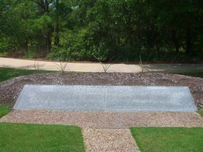 Dare County&#39;s Tribute to Veterans Side Marker </b>(North Side) image. Click for full size.