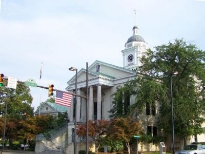 Aiken County Courthouse image. Click for full size.