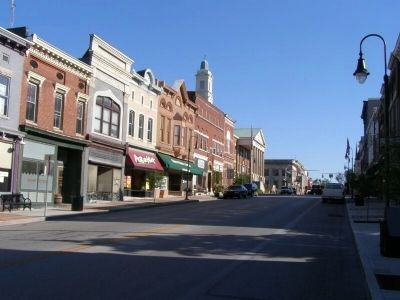Versailles, Kentucky, South Main Street. image. Click for full size.
