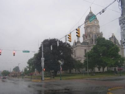 Whitley County Courthouse, 2 blocks from Marshall House image. Click for full size.