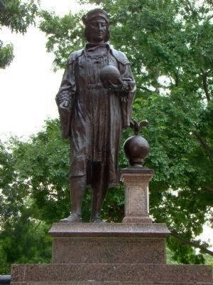 Columbus Monument Statue image. Click for full size.