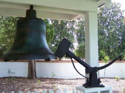 Aiken County Courthouse Bell image. Click for full size.
