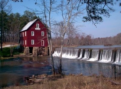 Starr's Mill and Dam image. Click for full size.