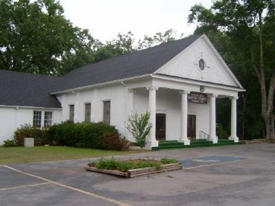 Mountain Creek Baptist Church and Marker image. Click for full size.