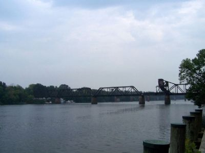 Todays Railroad bridge across the Savannah River at Augusta, Georgia image. Click for full size.