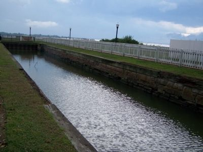 C & D Canal Lock image. Click for full size.