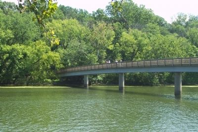 Footbridge to Theodore Roosevelt Island image. Click for full size.