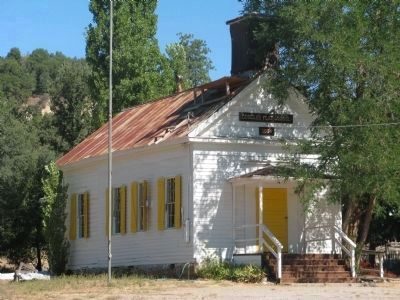 Douglas Flat Schoolhouse image. Click for full size.